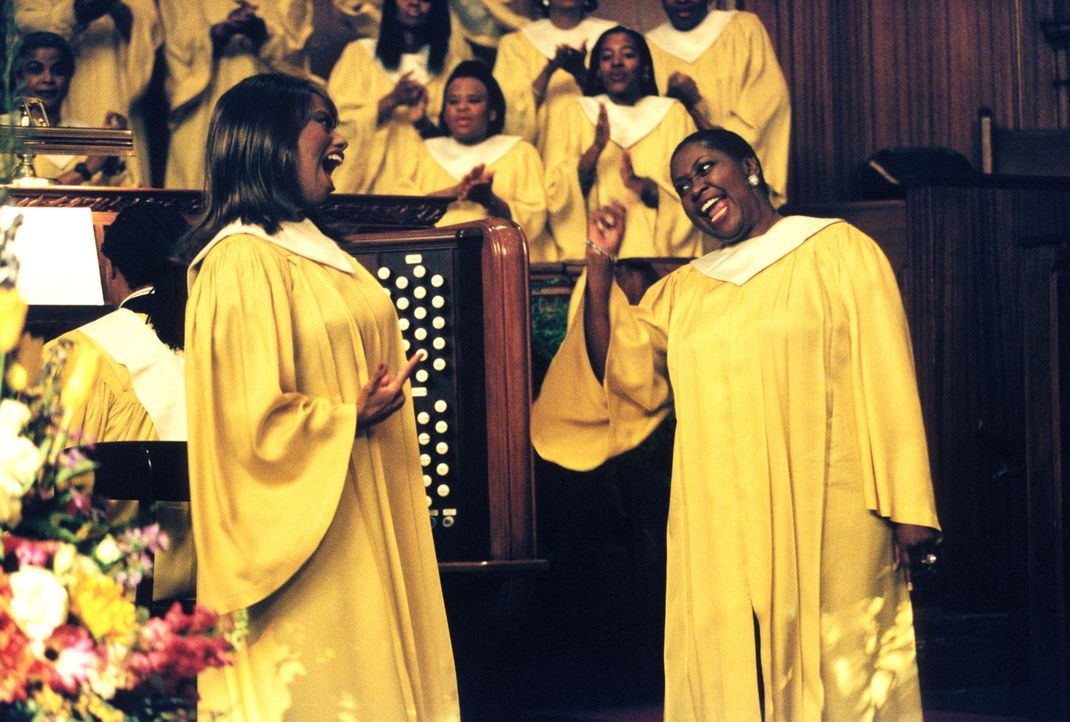 Lisa Knowles (Jennifer Holiday, l.) und Buttons (B.J. Crosby, r.) tragen ihren Streit um Reverend Newman immer wieder beim Gospelsingen aus ... - Bildquelle: 2001 Twentieth Century Fox Film Corporation. All rights reserved.