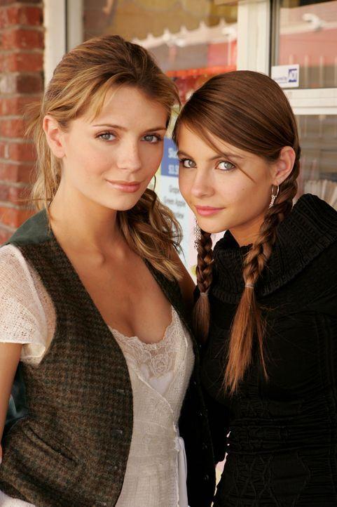 Marissa (Mischa Barton, l.) ist überrascht, als plötzlich ihr kleine Schwester Kaitlin (Willa Holland, r.) vor ihr steht ... - Bildquelle: Warner Bros. Television