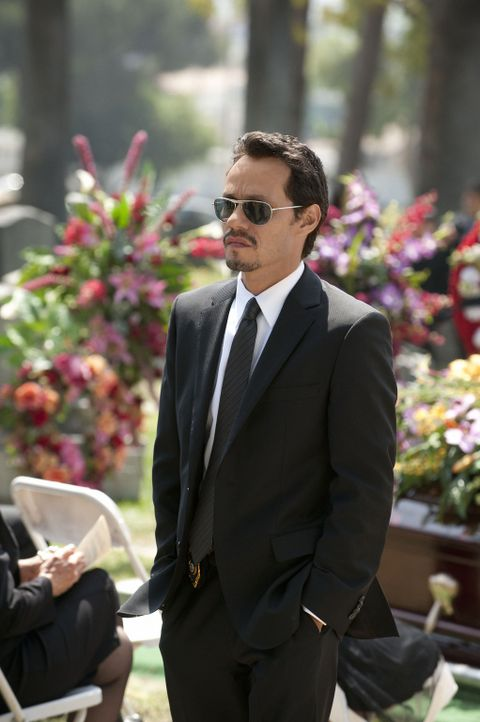 Trauert um seine verstorbene Mutter: Nick (Marc Anthony) - Bildquelle: Turner  Network Television. A Time Warner Company. All Rights Reserved.