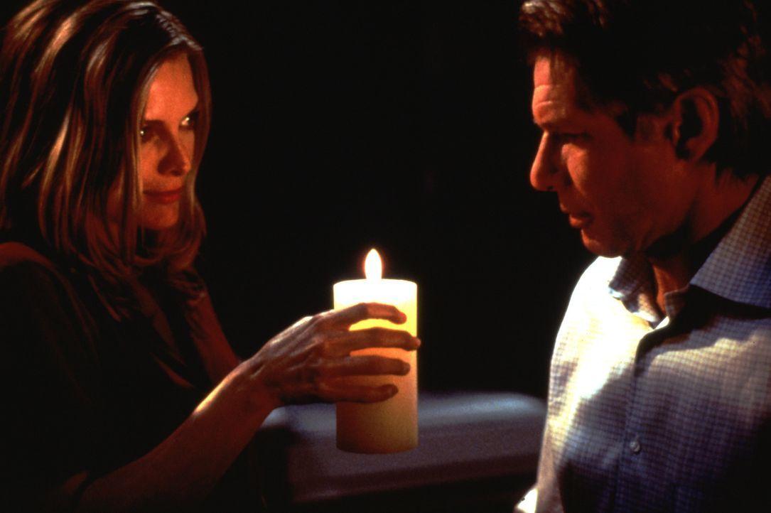 Die Ehe von Norman (Harrison Ford, r.) und Claire (Michelle Pfeiffer, l.) verläuft glücklich - allerdings kämpft Claire seelisch noch mit den Folgen... - Bildquelle: 20th Century Fox