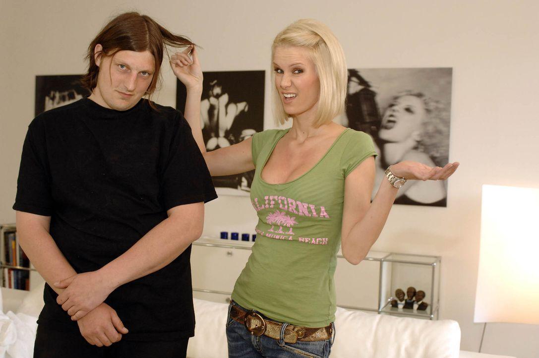 Monica Ivancan (r.) kümmert sich heute um Stephan (l.) aus München. Seine Ex-Freundin hat ihm vor drei Jahren das Herz gebrochen ... - Bildquelle: ProSieben