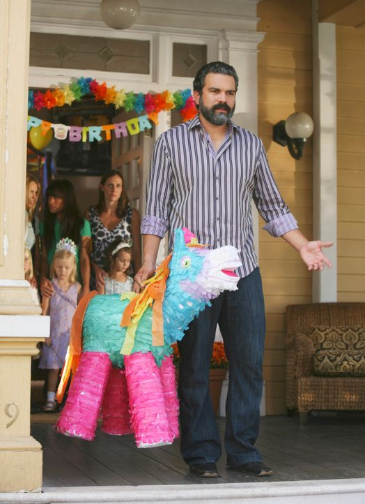 Virginia startet einen Rachefeldzug gegen Carlos (Ricardo Antonio Chavira) ... - Bildquelle: ABC Studios