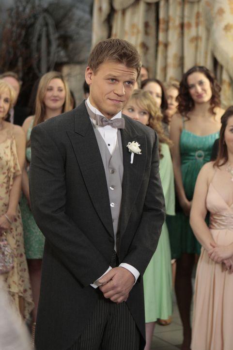 Vanya (Aaron Schwartz) hat richtig Muffensausen - gleich darf er seine geliebte Dorota heiraten. - Bildquelle: Warner Brothers