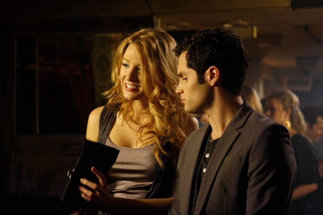 Sind wieder glücklich miteinander: Dan (Penn Badgley, r.) und Serena (Blake Lively, l.) ... - Bildquelle: Warner Brothers