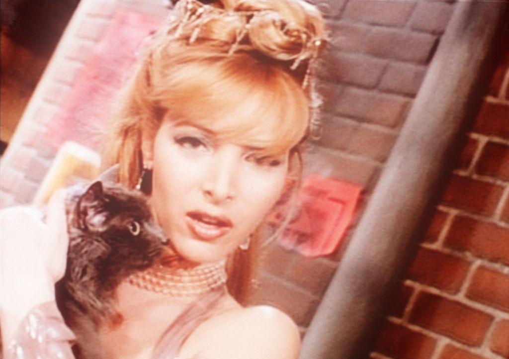 Phoebe (Lisa Kudrow) macht Karriere und tritt bei MTV auf. - Bildquelle: TM+  2000 WARNER BROS.