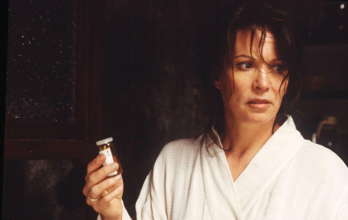 Um an die gigantische Versicherungssumme ihres Mannes Paul zu kommen, schmiedet Lea (Iris Berben) einen teuflischen Plan ... - Bildquelle: Sat.1