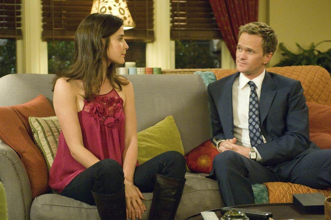 Nachdem Simon Robin (Cobie Smulders, l.) erneut abserviert hat, taucht zum Glück Barney (Neil Patrick Harris, r.) auf, der sehr verständnisvoll ist... - Bildquelle: 20th Century Fox International Television