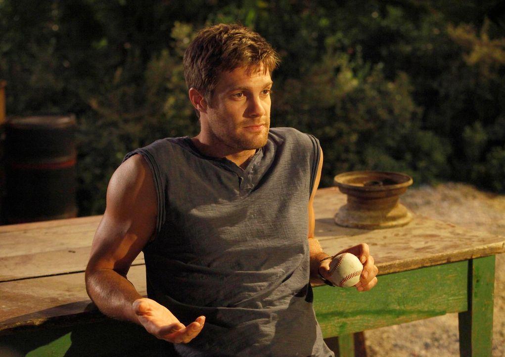 Ein neuer Auftrag wartet auf Walter (Geoff Stults): Ein erfolgreicher Profi-Baseballspieler wurde ausgeraubt und bittet nun den Finder, sich auf die... - Bildquelle: 2012 Twentieth Century Fox Film Corporation. All rights reserved.