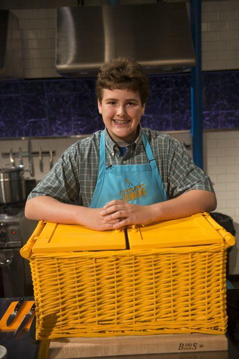 Ist gespannt, mit welchen geheimen Zutaten er das erste Gericht zubereiten muss: Kinnan ... - Bildquelle: Scott Gries 2015, Television Food Network, G.P. All Rights Reserved