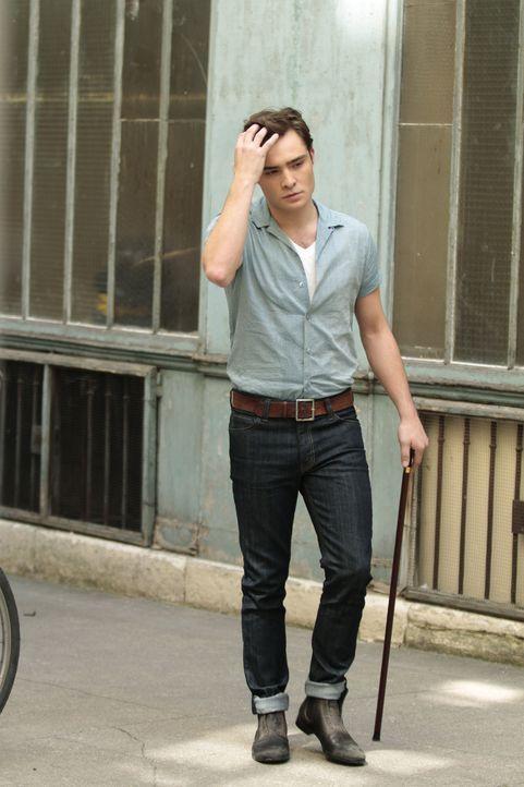 Ist mit einer jungen Frau, in Paris und fängt an sich ein neues Leben aufzubauen: Chuck (Ed Westwick) ... - Bildquelle: Warner Brothers