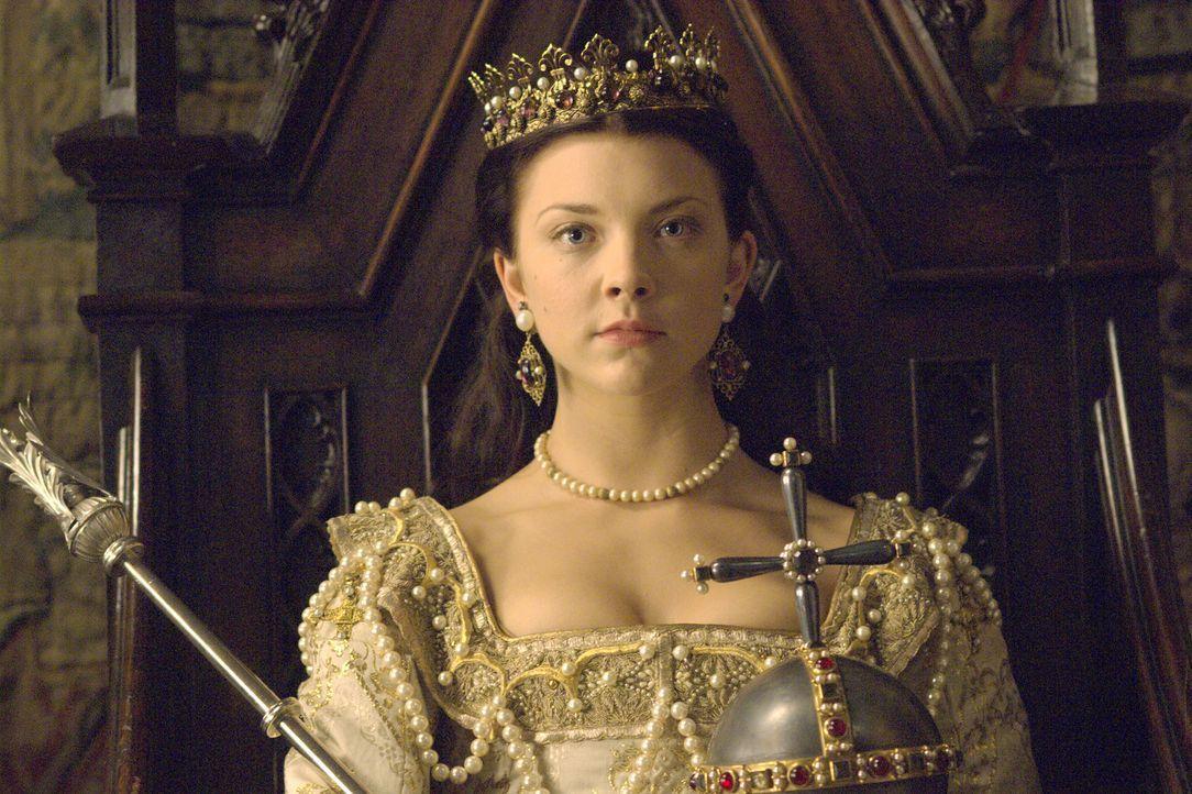 Endlich hat es Anne Boleyn (Natalie Dormer) geschafft. Sie ist König Henrys Ehefrau und somit Königin von England ... - Bildquelle: 2008 TM Productions Limited and PA Tudors II Inc. All Rights Reserved.