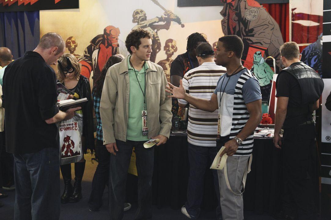 Begleiten ihren Freund Dale zur Comic-Con: Rusty (Jacob Zachar, M.r.) und Calvin (Paul James, 2.v.r.) - Bildquelle: 2009 DISNEY ENTERPRISES, INC. All rights reserved. NO ARCHIVING. NO RESALE.