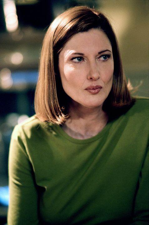 Weiß noch nicht, wie mächtig Clarks Kräfte tatsächlich sind: seine Mutter Martha (Annette O'Toole) ... - Bildquelle: Warner Bros.
