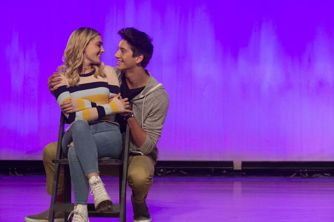 Taylor (Meg Donnelly, l.); Pierce (Milo Manheim, r.) - Bildquelle: Michael Ansell 2018 American Broadcasting Companies, Inc. All rights reserved. / Michael Ansell