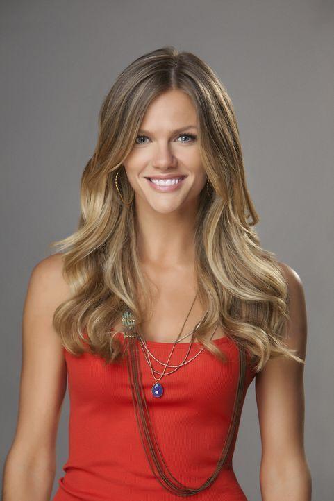 (1. Staffel) - Ist glücklich, endlich die Liebe ihres Lebens kennengelernt zu haben: Jules (Brooklyn Decker) ... - Bildquelle: 2013 CBS Broadcasting, Inc. All Rights Reserved.