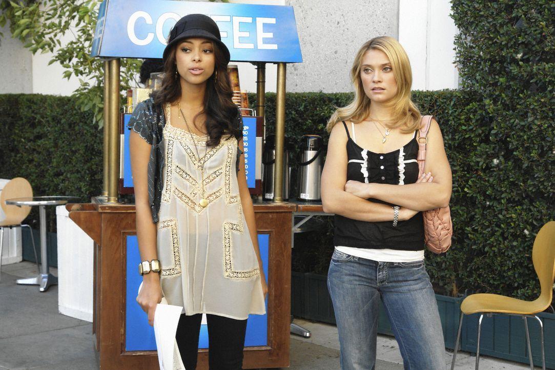 Müssen neue Füchse gewinnen: Ashleigh (Amber Stevens, l.) und Casey (Spencer Grammer, r.) ... - Bildquelle: 2008 ABC Family