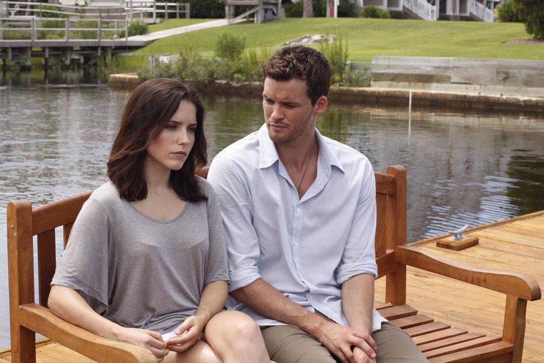 Kommt es zwischen Brooke (Sophia Bush, l.) und Julian (Austin Nichols, r.) zu einem klärenden Gespräch? - Bildquelle: Warner Bros. Pictures