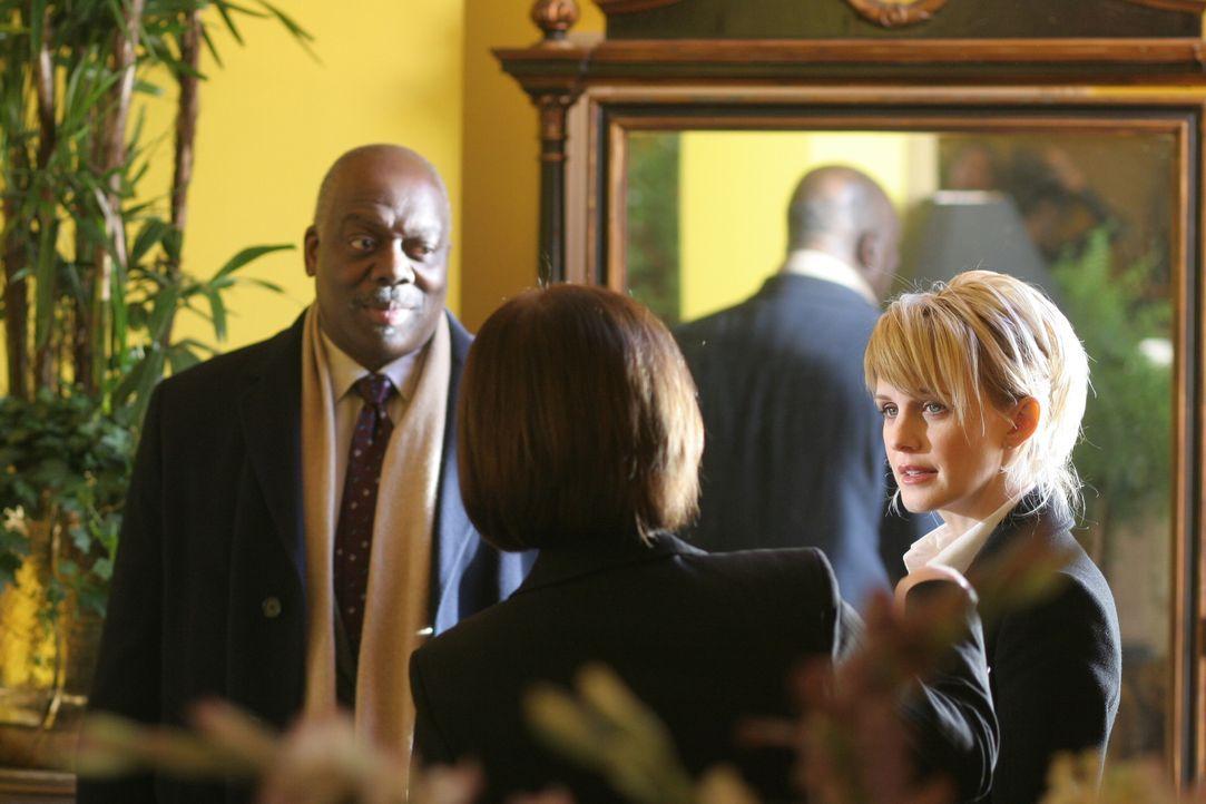 Ein ungeklärter Mordfall aus dem Jahre 1982 beschäftigt Det. Lilly Rush (Kathryn Morris, r.) und Det. Will Jeffries (Thom Barry, l.). - Bildquelle: Warner Bros. Television