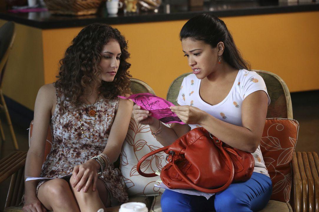 Jane (Gina Rodriguez, r.) nimmt an einem besonderen Autorenkurs teil, um so ihre Schreibblockade zu überwinden. Dabei lernt sie Andie (Rachel DiPill... - Bildquelle: 2014 The CW Network, LLC. All rights reserved.