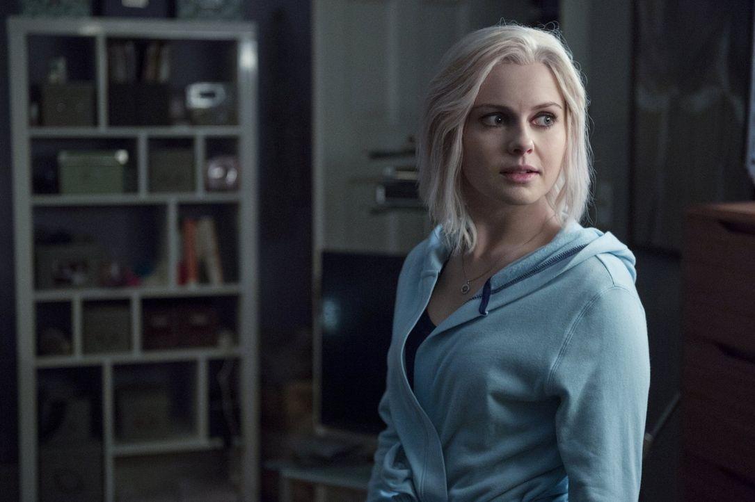 Nachdem Liv (Rose McIver) das Hirn eines ermordeten Mitglieds aus Misters Boss' Gang gegessen hat, sorgt eine Vision für Verwirrungen und gleichzeit... - Bildquelle: 2014 Warner Brothers