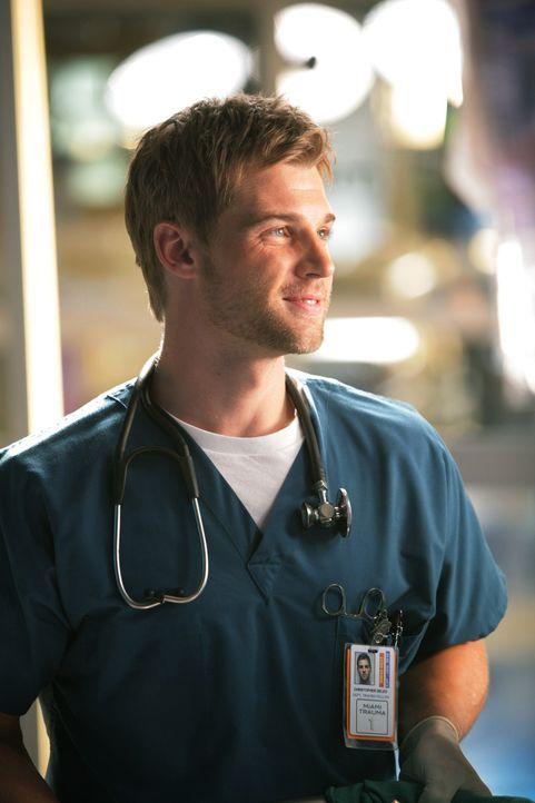 Spielt sich in der Abwesenheit des Chefs auf: Dr. Christopher DeLeo (Mike Vogel) ... - Bildquelle: Warner Brothers