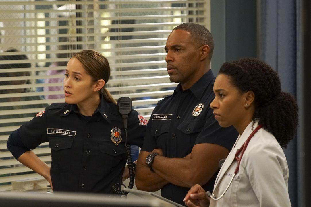 (v.l.n.r.) Andy Herrera (Jaina Lee Ortiz); Ben Warren (Jason George); Dr. Maggie Pierce (Kelly McCreary) - Bildquelle: Scott Everett White ABC Studios / Scott Everett White