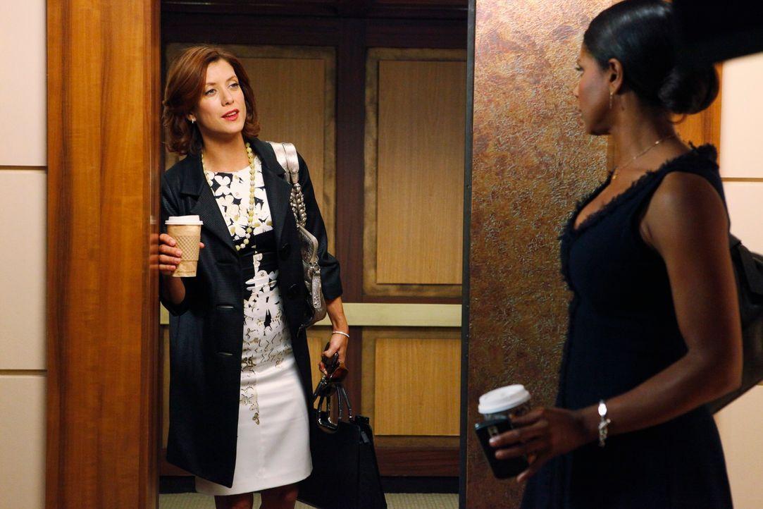 Während Violet Probleme hat, sich ihrem Sohn anzunähern, herrscht zwischen Addison (Kate Walsh, l.) und Naomi (Audra McDonald, r.) ein angespanntes... - Bildquelle: ABC Studios
