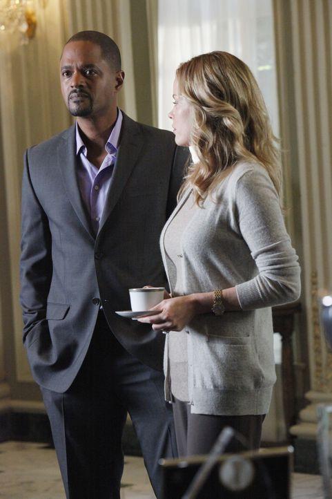 Auch Maggie Vega (Chandra West, r.) und Tommy Zane (Don Franklin, l.) geraten in Verdacht, etwas mit dem Mord an Cano Vega zu tun zu haben ... - Bildquelle: ABC Studios