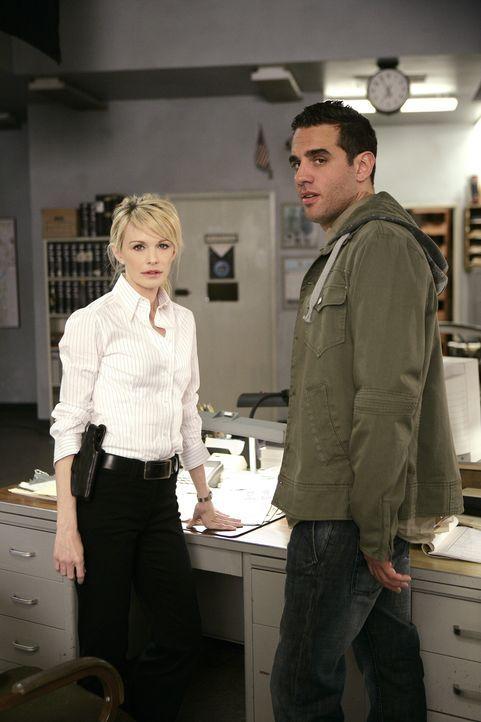 In einem neuen Fall, muss Lilly (Kathryn Morris, l.) und ihr Team mit Eddie Saccardo (Bobby Cannavale, r.), dem Leiter der Sonderkommission, zusamme... - Bildquelle: Warner Bros. Television