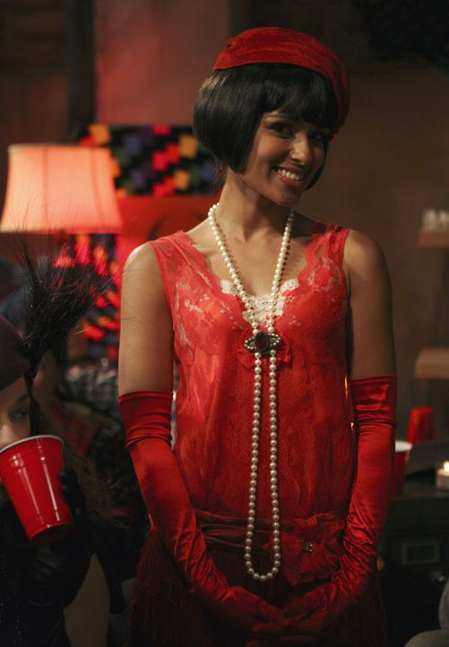 Genießt die Party: Rebecca (Dilshad Vadsaria) ... - Bildquelle: ABC Family