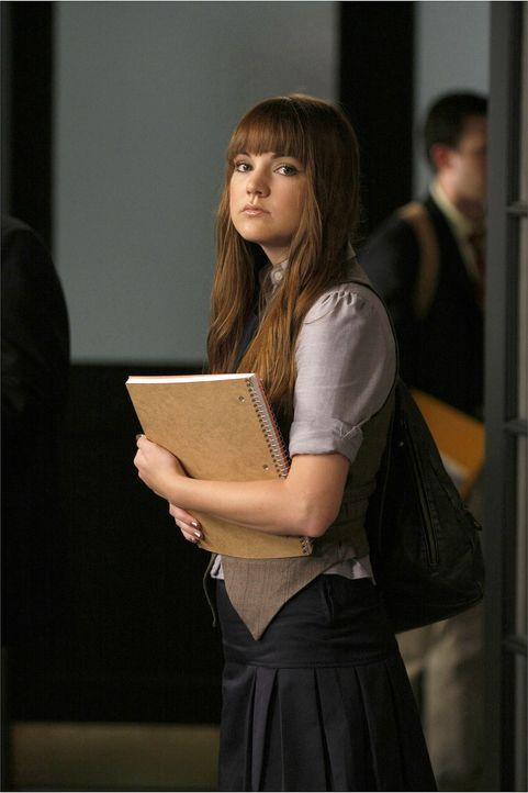 Amanda (Laura-Leigh) ist neu an der Schule. Schon bald versuchen Chuck und Blair, sich der hübschen Brünetten zu nähern ... - Bildquelle: Warner Brothers