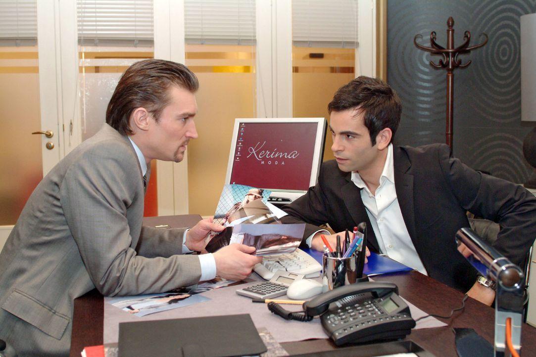 Richard (Karim Köster, l.) und David (Mathis Künzler, r.) sind sich mal wieder uneinig ... - Bildquelle: Monika Schürle SAT.1 / Monika Schürle