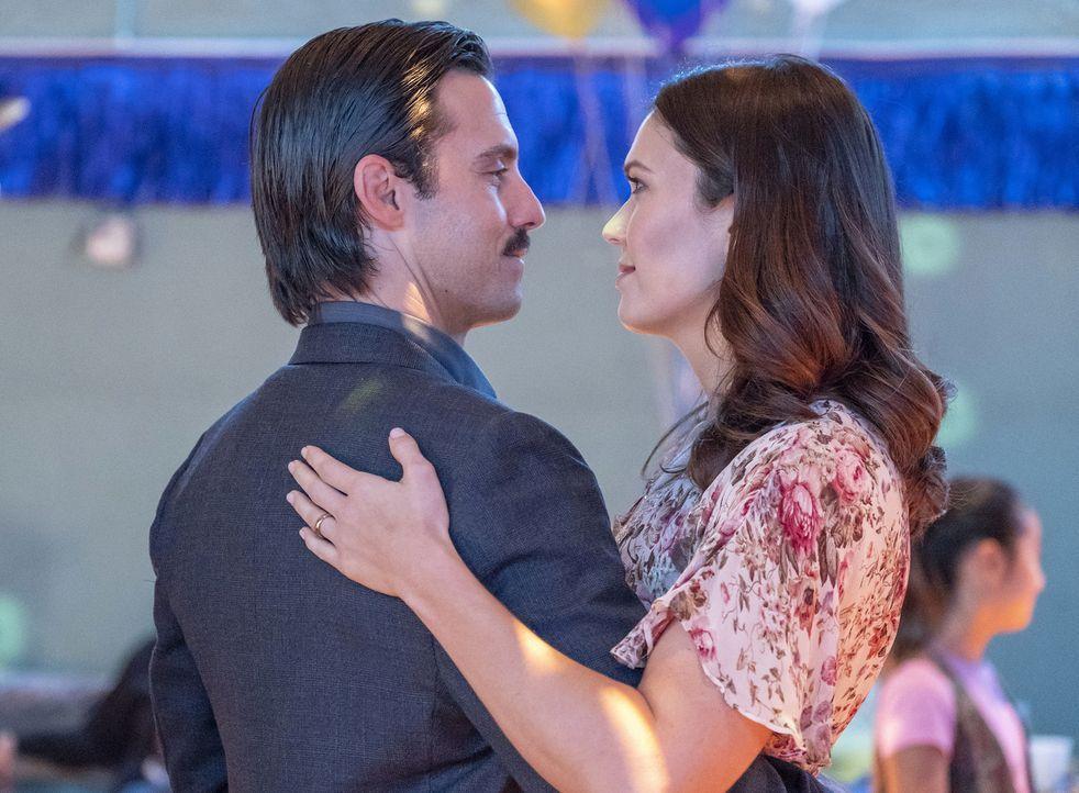 Jack Pearson (Milo Ventimiglia, l.); Rebecca Malone (Mandy Moore, r.) - Bildquelle: Ron Batzdorff 2018 NBCUniversal Media, LLC