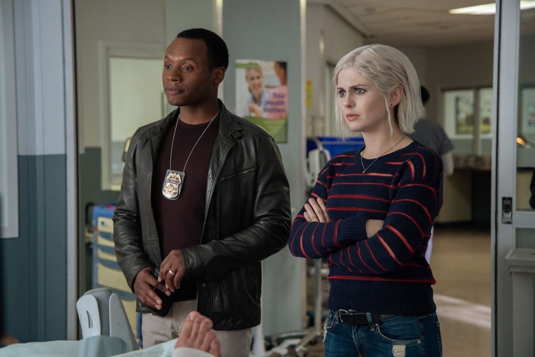 Clive Babineaux (Malcolm Goodwin, l.); Liv Moore (Rose McIver, r.) - Bildquelle: Jack Rowand 2019 The CW Network, LLC. All Rights Reserved. / Jack Rowand