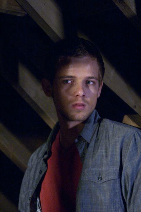 Von seinen Eltern abgeschoben, von der Dorfgemeinde geächtet: Ryan (Max Thieriot) hat niemanden, an den er sich wenden kann - bis Elissa kommt ... - Bildquelle: 2011 HATES, LLC.  All Rights Reserved.