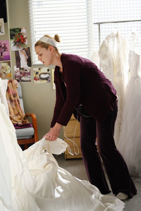 Während sich Derek und Meredith darauf einigen, eine schlichte Hochzeit zu feiern, stürzt sich Izzie (Katherine Heigl) frohen Mutes in die Hochzei... - Bildquelle: Touchstone Television