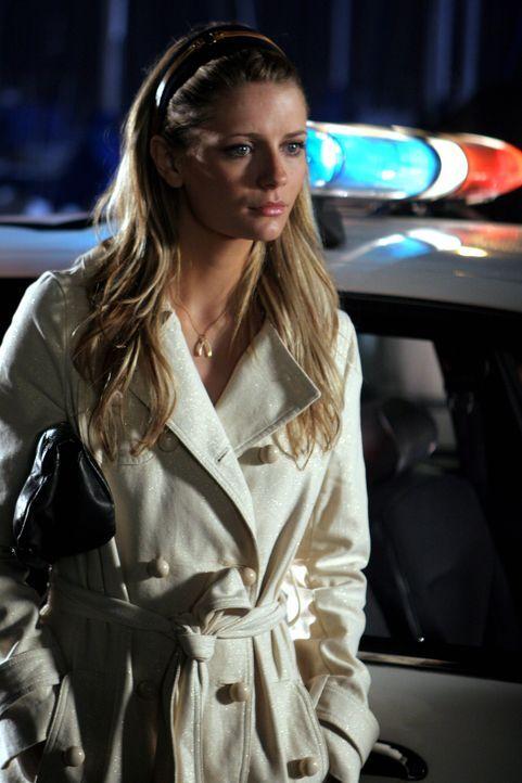 Marissa (Mischa Barton) erhält einen Anruf von ihrer Schwester Kaitlin, die sie bittet, einen Brief von der Schule abzufangen, bevor Julie diesen e... - Bildquelle: Warner Bros. Television