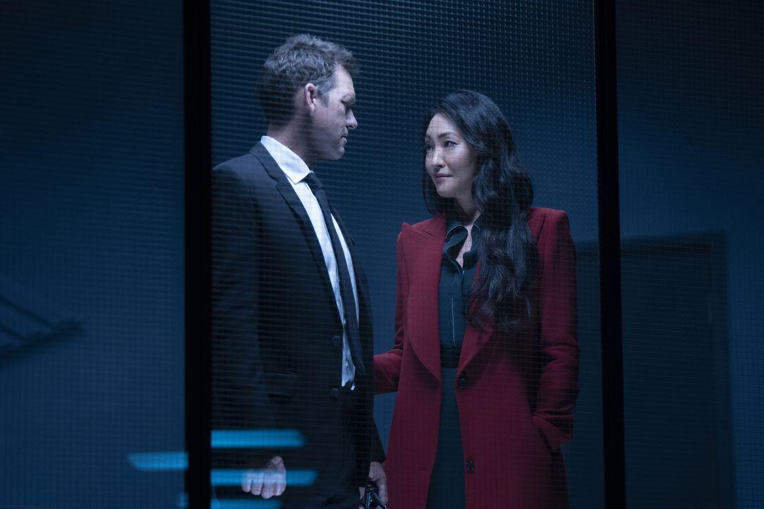Jacob Kane (Scott Dougray, l.); Catherine Hamilton-Kane (Elizabeth Anweis, r.) - Bildquelle: Michael Courtney 2019 The CW Network, LLC. All rights reserved. / Michael Courtney