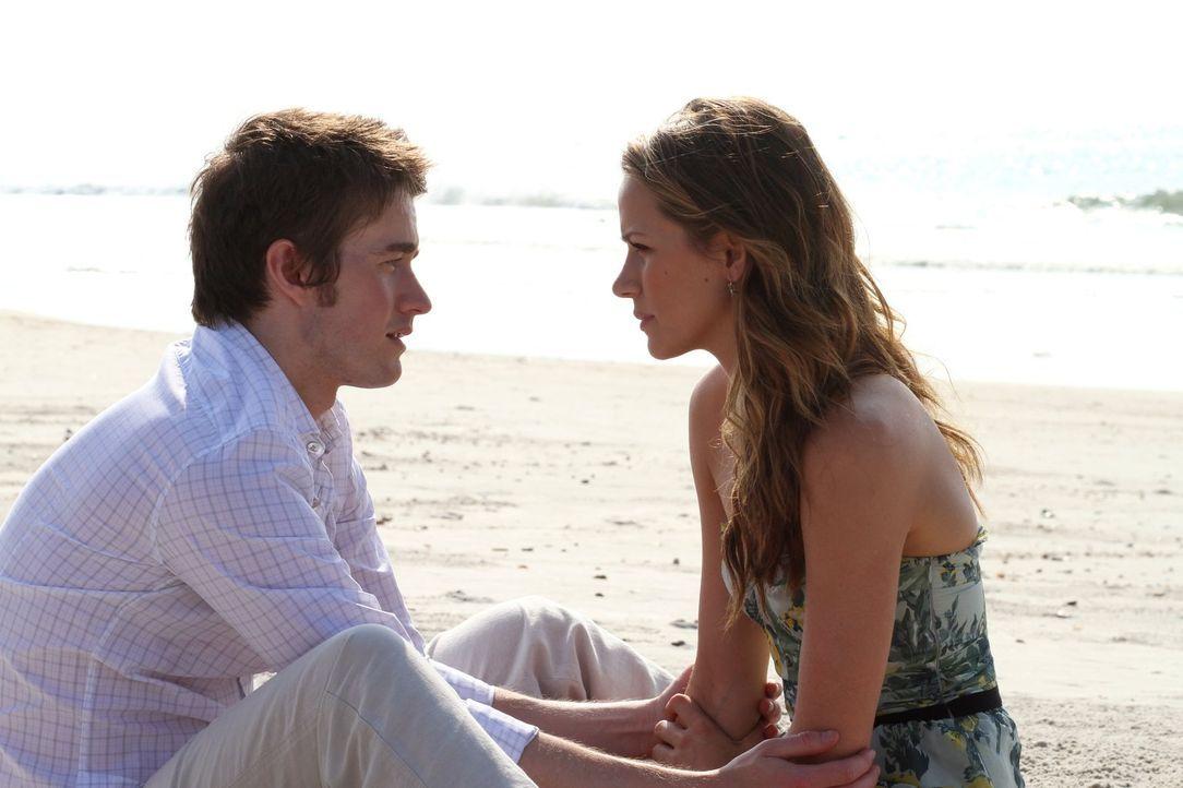 Noch ahnen Clay (Robert Buckley, l.) und Quinn (Shantel VanSanten, r.) nicht, wie gefährlich Katie wirklich ist ... - Bildquelle: Warner Bros. Pictures
