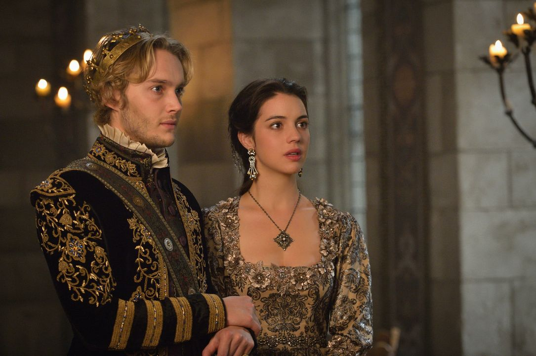 Nicht nur Francis' (Toby Regbo, l.) Krankheit, sondern auch die Ankunft eines möglichen Feindes am Hofe, macht Mary (Adelaide Kane, r.) zu schaffen... - Bildquelle: Ben Mark Holzberg 2015 The CW Network, LLC. All rights reserved.