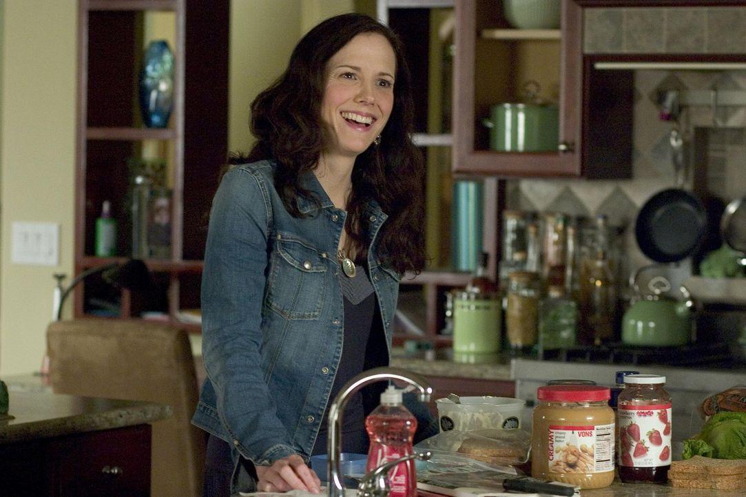 Während Nancy (Mary-Louise Parker) beim dealen erwischt wird, erkämpft sich Celia mit neuen Haaren wieder ihren Posten als Vorsitzende des Elternr... - Bildquelle: Lions Gate Television