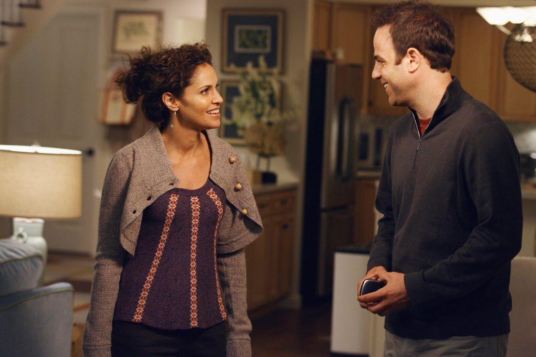 Wird Cooper (Paul Adelstein, r.) Violet (Amy Brenneman, l.) sagen, dass er sie liebt? - Bildquelle: 2007 American Broadcasting Companies, Inc. All rights reserved.