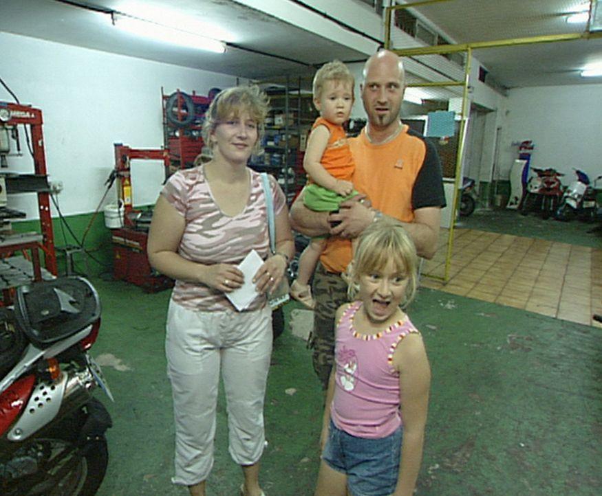 Familie Przybyllok will ein neues Leben auf Teneriffa beginnen. Alles muss aufs schnellste organisiert werden: eine dauerhafte Bleibe, Melanies Schu... - Bildquelle: kabel eins