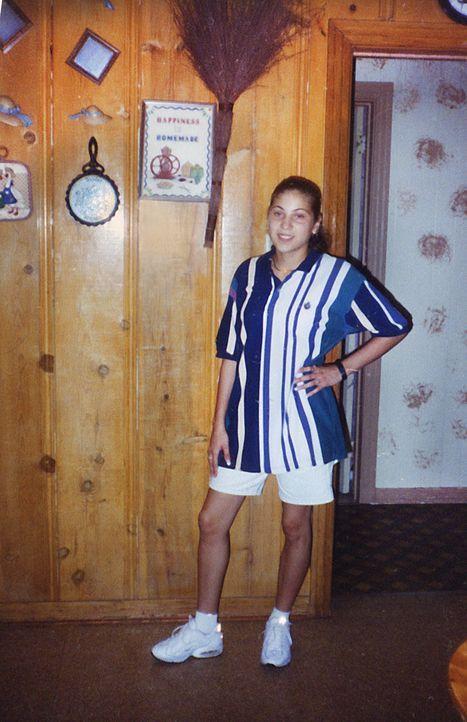 Bereits in jungen Jahren muss sich Coty Martinez (Bild) um ihre kleinen Geschwister kümmern, doch mit 26 Jahren trifft sie den erfolglosen Boxer Jer... - Bildquelle: 2013 NBCUniversal ALL RIGHTS RESERVED.