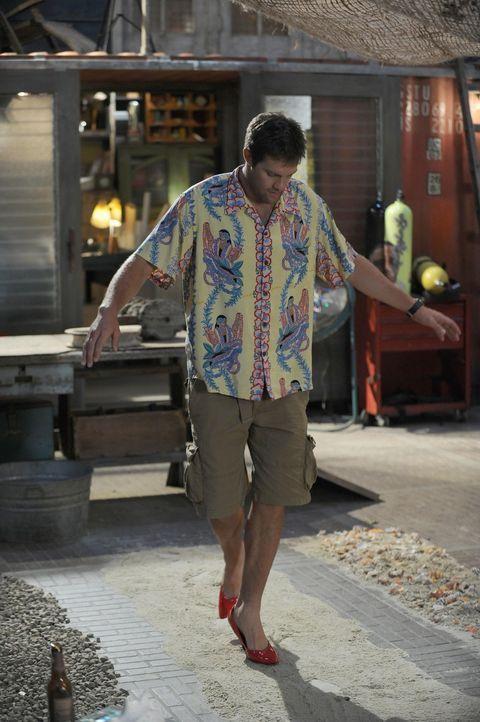 Trägt Walter (Geoff Stults) neuerdings Damenschuhe? - Bildquelle: 2012 Twentieth Century Fox Film Corporation. All rights reserved.