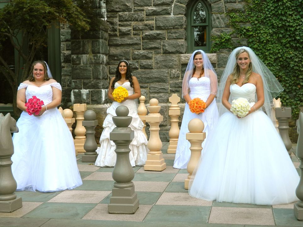 Vier Frauen und ein Wunsch: Mandy (l.), Cheryl (2.v.l.), Chrystal (2.v.r.) und Lindsey (r.) wollen die Traumhochzeitsreise gewinnen ... - Bildquelle: Richard Vagg DCL