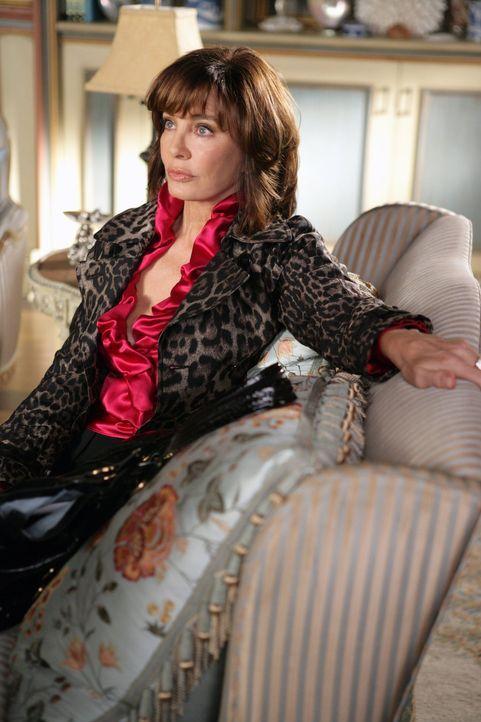 Laurel Limoges (Anne Archer) hat ihren Enkelinnen Sage und Rose nie gesagt, dass Miles ihr Großvater ist. Doch dann platzt diese Lüge ... - Bildquelle: Warner Bros. Television
