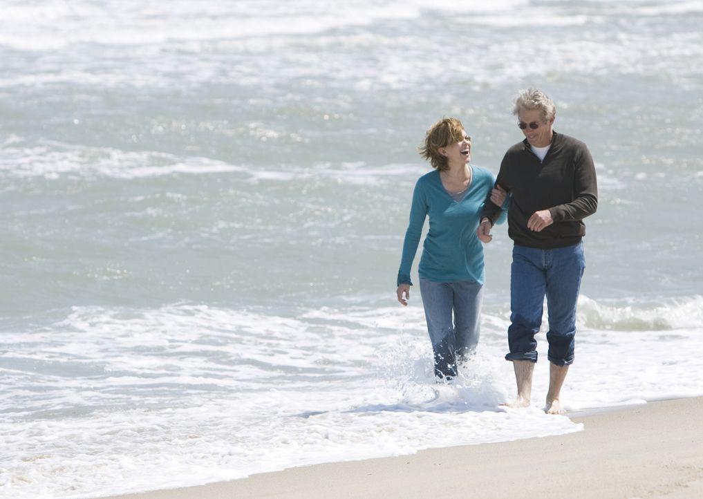 Verbringen ein gemeinsames Wochenende, das ihr Leben für immer verändert: Adrienne (Diane Lane, l.) und Paul (Richard Gere, r.) ... - Bildquelle: Warner Bros.