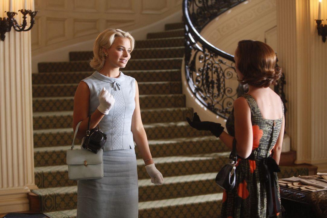 Auch wenn es nur ein ganz kurzer Aufenthalt in Berlin ist, für Laura (Margot Robbie, l.) und Maggie (Christina Ricci, r.) ist es etwas ganz besonde... - Bildquelle: 2011 Sony Pictures Television Inc.  All Rights Reserved.