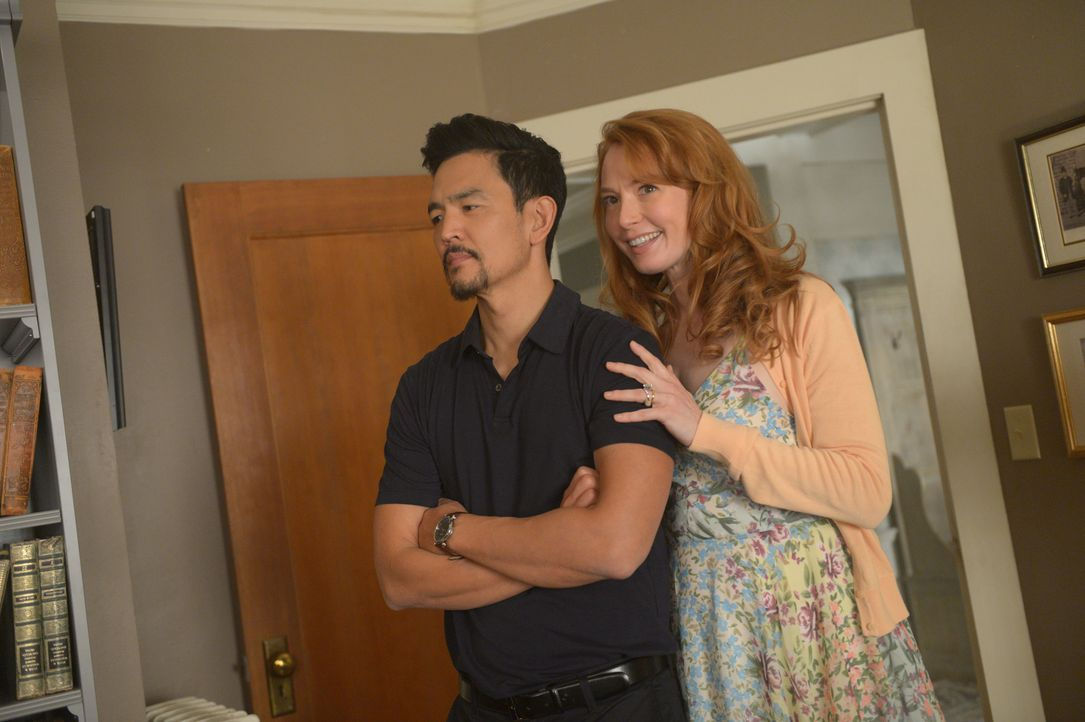 Ist es wirklich Nikki (Alicia Witt, r.), die den Dämon zu Andy (John Cho, l.) und in die Familie gebracht hat? - Bildquelle: 2017 Twentieth Century Fox Film Corporation.  All rights reserved.